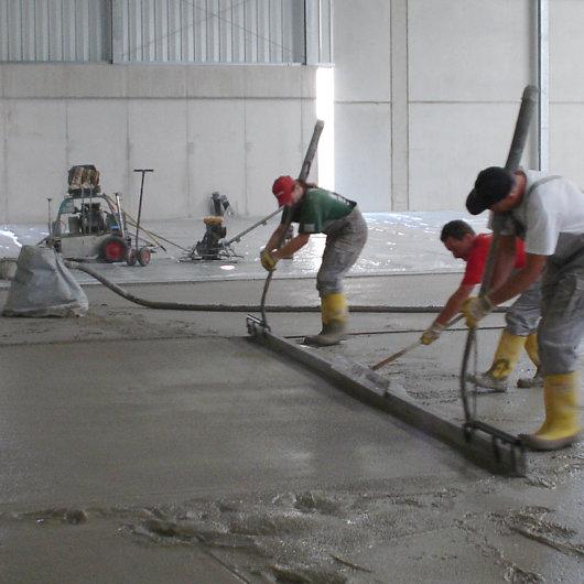 Condulith-Industrieboden Hartstoffschicht frisch in frisch auftragen