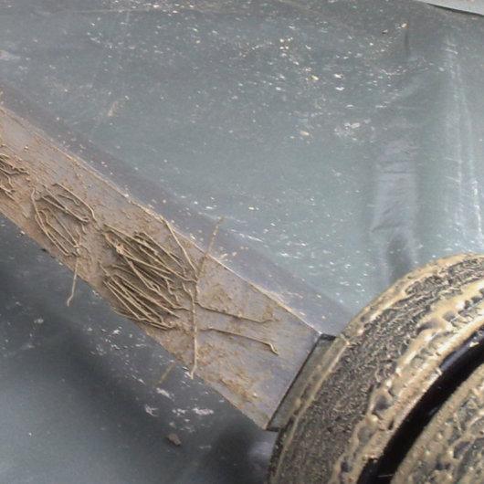 Condulith-Industrieboden Stahlfaserbeton, überschüssige Stahlfasern von Betonoberfläche entfernen